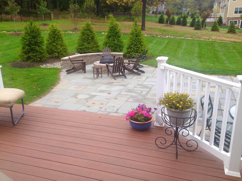 Backyard Landscaping Designs & Maintenance